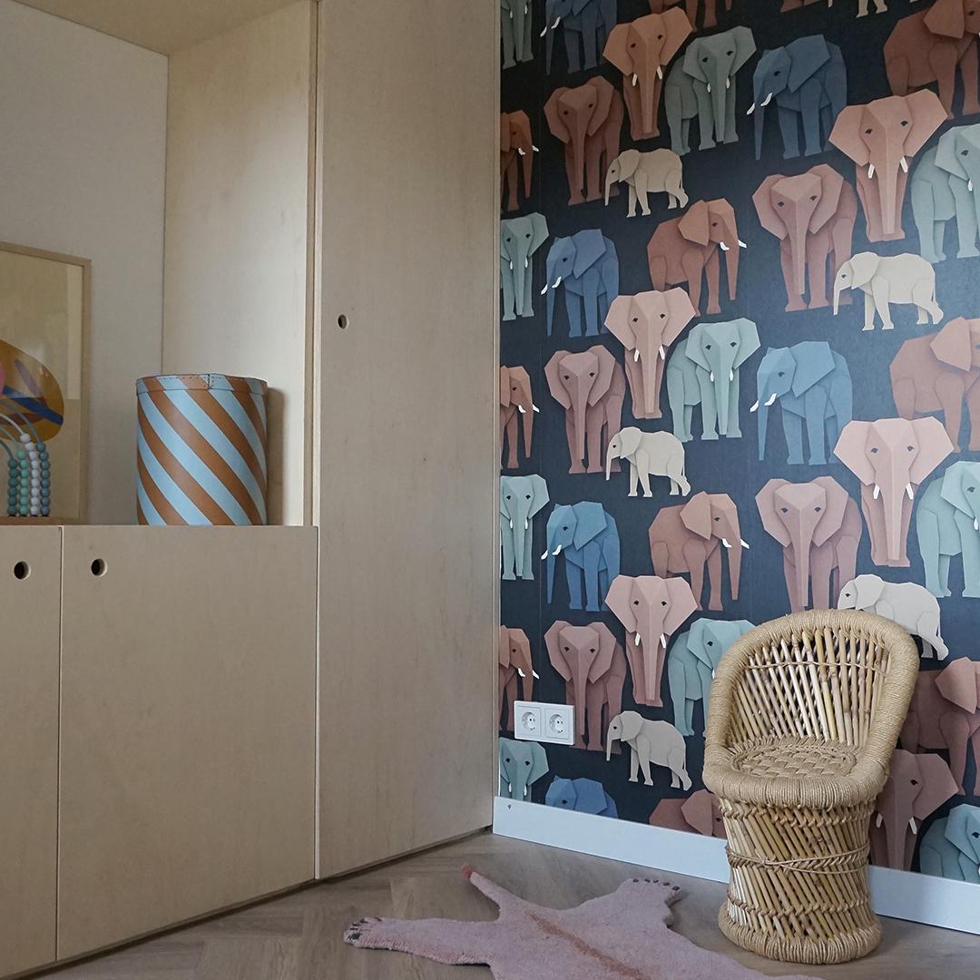 Speelkamer met olifanten behang